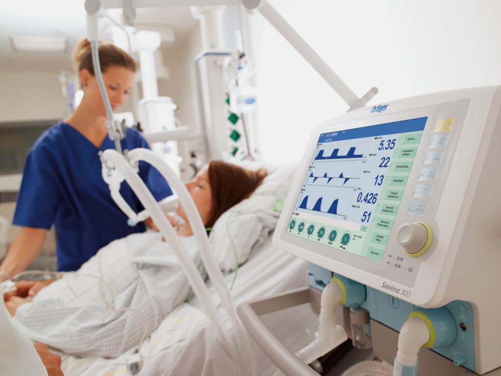 Российские олигархи скупают аппараты искусственной вентиляции легких и переманивают врачей