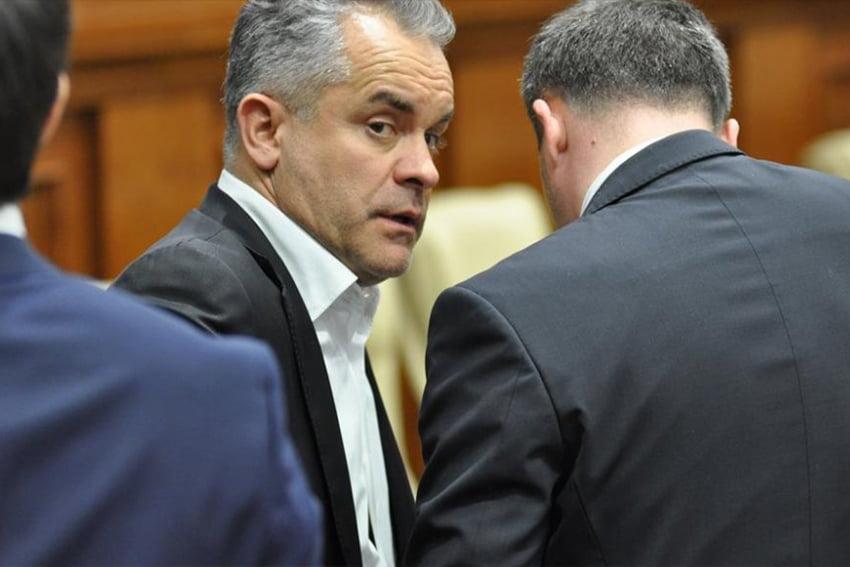 Плахотнюк оперативно покинул Молдову